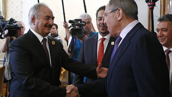 حفتر يدعو روسيا للعب دور في محادثات السلام الليبية