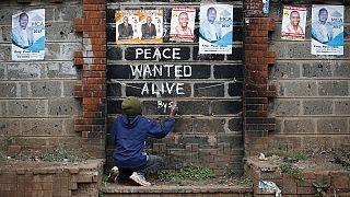 Au Kenya, des graffitis pour promouvoir la paix