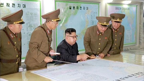 Észak-Korea egyelőre nem lő rakétát Guamra