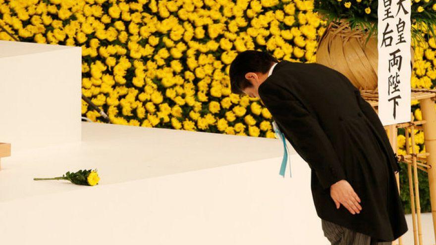 """Imperador japonês Akihito: o Japão tem """"remorsos"""" pela 2ª Guerra"""
