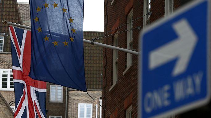 """Londres quer união aduaneira temporária para """"brexit"""""""