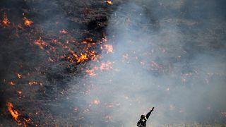Στις «στάχτες» της Βορειοανατολικής Αττικής με τον φακό του Reuters
