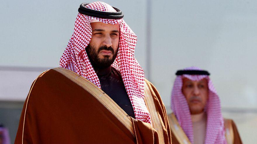 الامير عبد العزيز بن فهد: الملك ليس مصدرا للسلطات.. ومبادئ الدستور بلوها وأشربوها