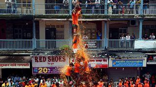 В Мумбае празднуют рождение Кришны