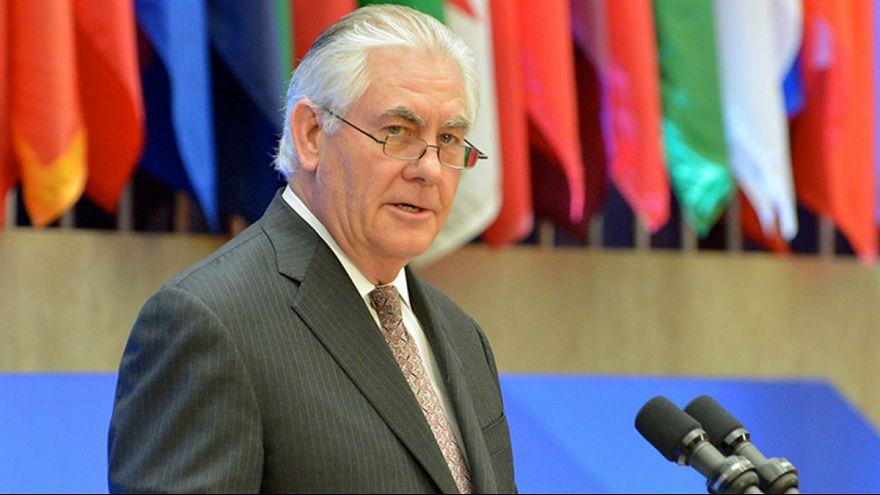 تیلرسون: آمریکا همچنان علاقمند به گفتگو با کره شمالی است