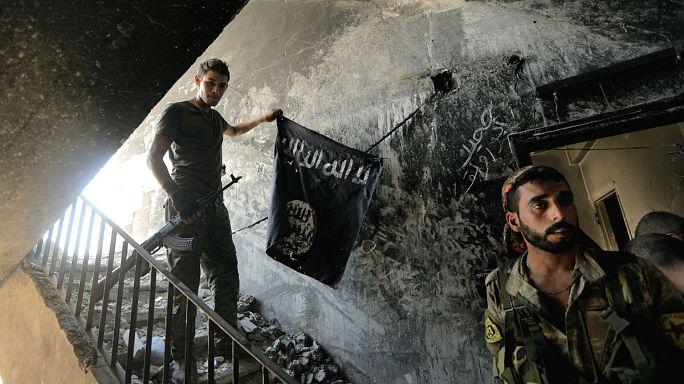 قوات سوريا الديمقراطية تسيطر على اكثر من ٦٠ بالمئة من مدينة الرقة