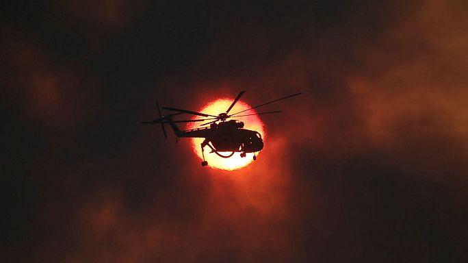Παραμένει ο συναγερμός για τις πυρκαγιές