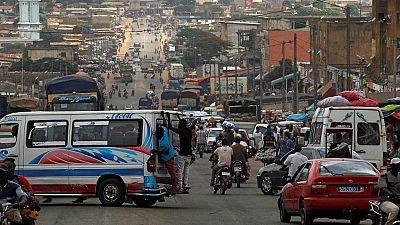 """Vie d'un """"microbe"""", les enfants-bandits ivoiriens"""