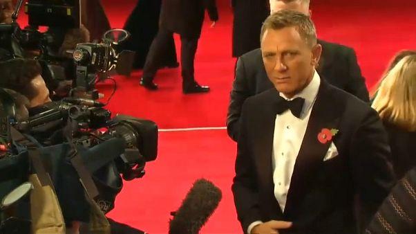 Daniel Craig mais uma vez na pele do agente secreto 007