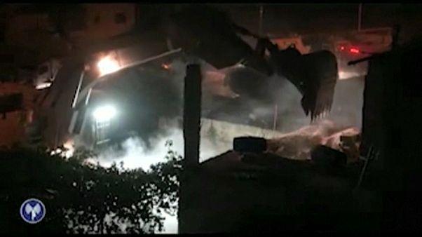 """الجيش الإسرائيلي يهدم منزل """"عمر العبد"""" منفذ عملية حلميش"""