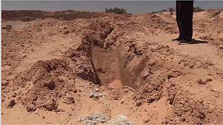 Tunisie: un homme donne une sépulture aux migrants morts en mer