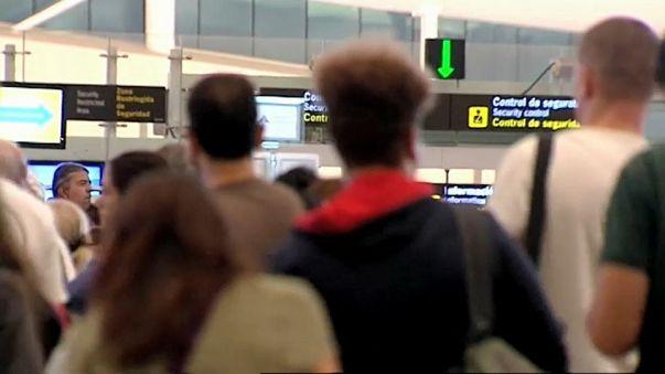 Los sindicatos anuncian paros en todos los aeropuertos de España