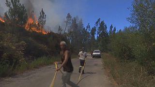 إخلاء قرية فيلا دي كوديس البرتغالية بسبب الحرائق