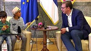 رئیس جمهور صربستان به نقاش ۱۰ ساله افغان پیشنهاد تابعیت داد