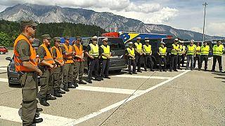 Suche nach Migranten: Österreichische Soldaten unterstützen Polizisten in Tirol