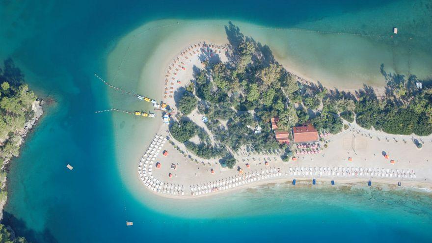 Bayram tatili 10 güne çıktı Fethiye Ölüdeniz'de yerli turist patlaması yaşandı
