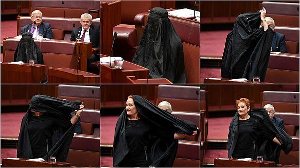 Σάλος στην Αυστραλία: Η ακροδεξιά Πολίν Χάνσον με μπούρκα στη Βουλή