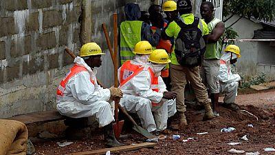 Sierra Leone: inhumation des victimes d'inondations