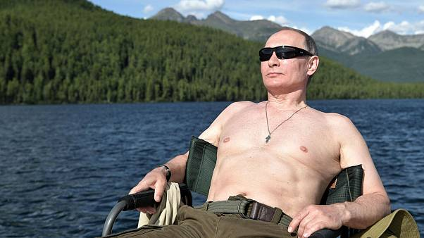 Putin'in üstsüz fotoğrafları sosyal medyanın yeni fenomeni