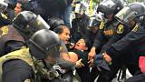 اشتباك بين أساتذة والشرطة في بيرو