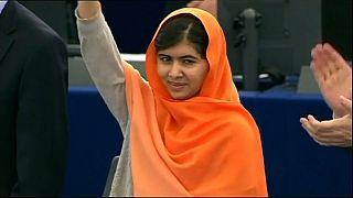 """بعد نجاتها من رصاص حركة طالبان.. ملالا يوسف زاي تُقبل في جامعة """"أكسفورد"""""""