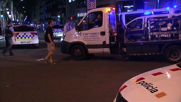 Terroranschläge in Spanien - Touristen unter Schock