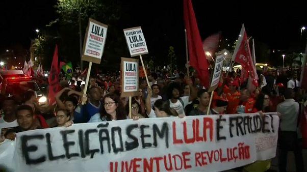 Wahlkampf trotz Gerichtsverhandlungen: Lula macht sich stark