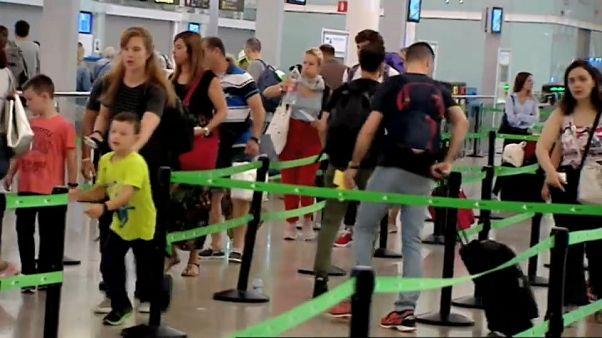 Aplazada la huelga en el aeropuerto de Barcelona por el atentado