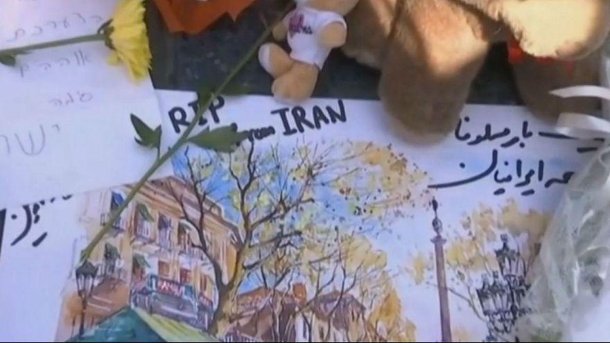 ادای احترام مردم اسپانیا به قربانیان حمله بارسلون