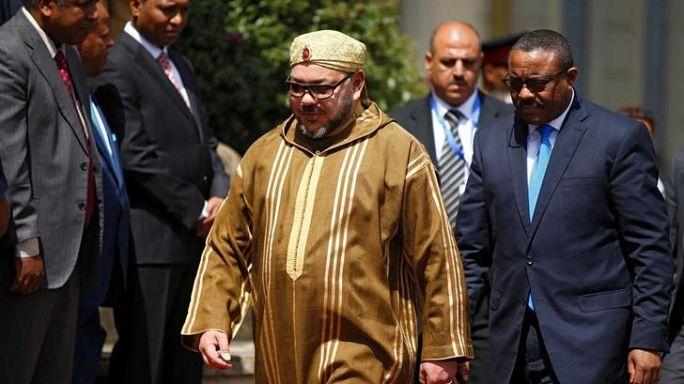 العاهل المغربي يقضي إجازته في الحسيمة تحرسه الزوارق الملكية