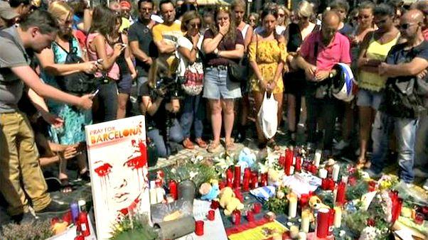 Minuto de silencio en protesta por los atentados de Cataluña