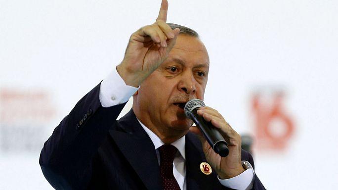 Erdoğan: Merkel'in partisine oy vermeyin