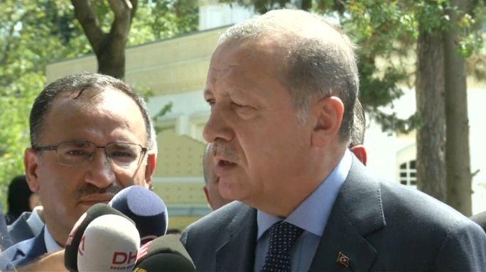 Erdogan pide que no se vote a Merkel