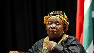 Dlamini-Zuma veut que la justice suive son cours dans l'affaire opposant Grace Mugabe au top model Gabriella Engels
