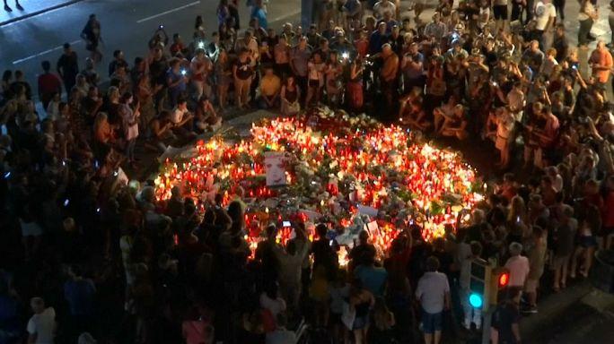 Barcelona: Gyertyás kegyeletadás