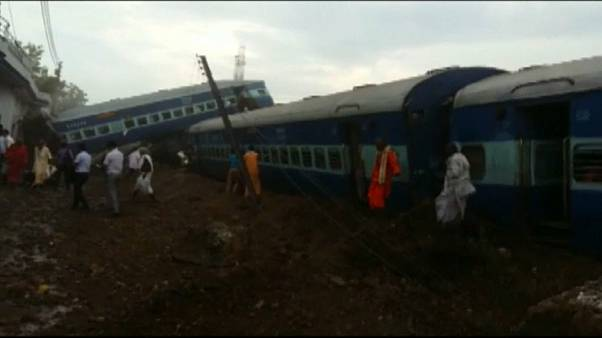 23 muertos en un accidente de tren en la India