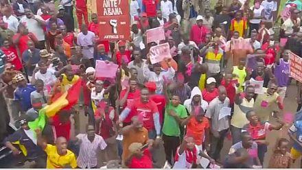Mali: President Boubacar Keita suspends referendum