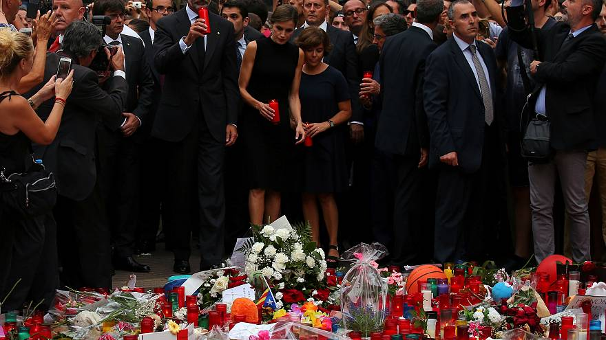 Spanish royals pay tribute to Barcelona attack victims