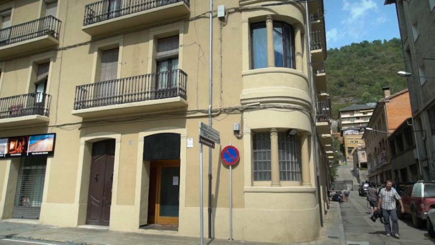 La policía española sigue la pista del imán de Ripoll