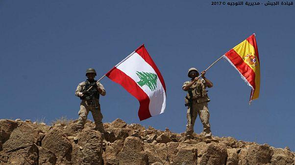 Libanoni katonák spanyol zászlóval mutattak szolidaritást Barcelonával