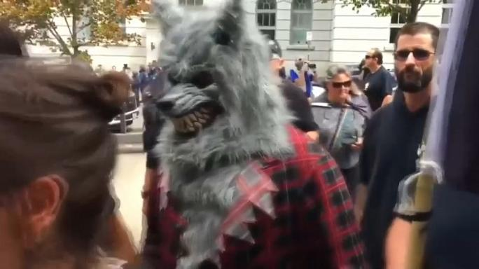 """La Meute"": Rechtsextreme demonstrieren in Québec"