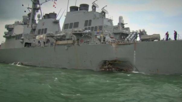Столкновение американского эсминца с нефтяным танкером