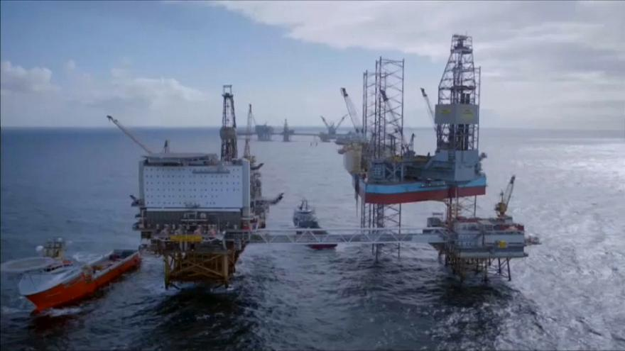 Total to buy Maersk Oil for 6.4 billion euros
