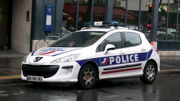 بالفيديو: كيف تعاملت الشرطة الفرنسية مع مضطرب نفسيا