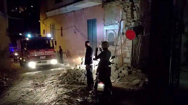 Voluntário conta à Euronews como se encontra a ilha de Ísquia