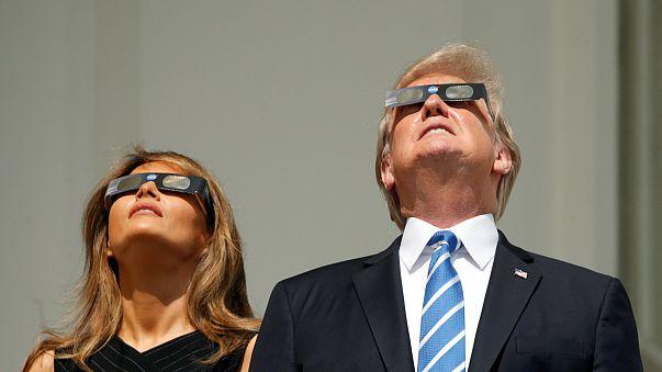 Millionen Menschen beobachten Sonnenfinsternis über den USA