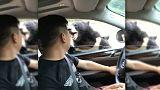 دب يهاجم رجلا في حديقة للحيوانات في الصين