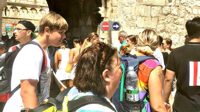 Die dunkle Seite des Tourismus: Bewohner von Dubrovnik sehen im TV, ob sie raus können