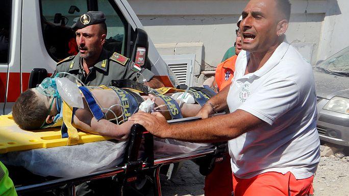 Ischia: Retter bergen Baby aus Erdbeben-Trümmern