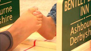 Insolite : Bras de fer d'orteils